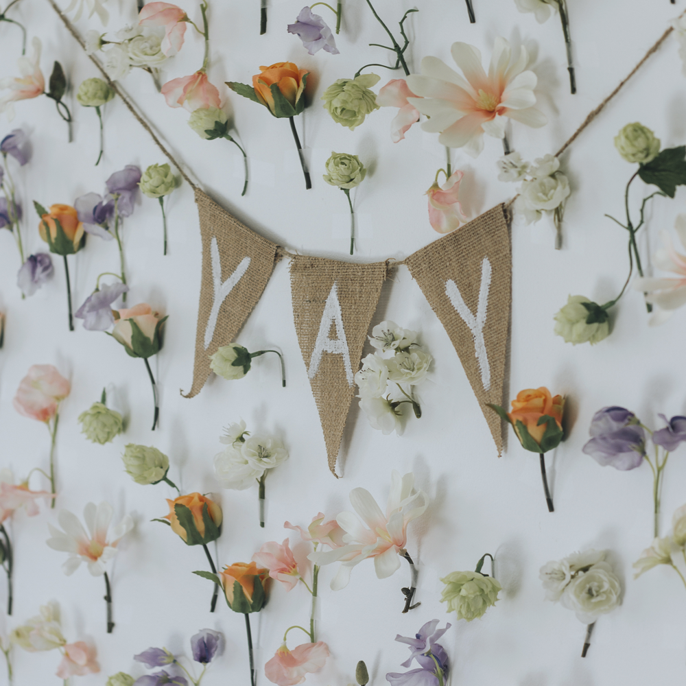 Make_Your_Own_Floral_Backdrop_with_Scotch_Wall_Safe_Tape2 1000X1000.png