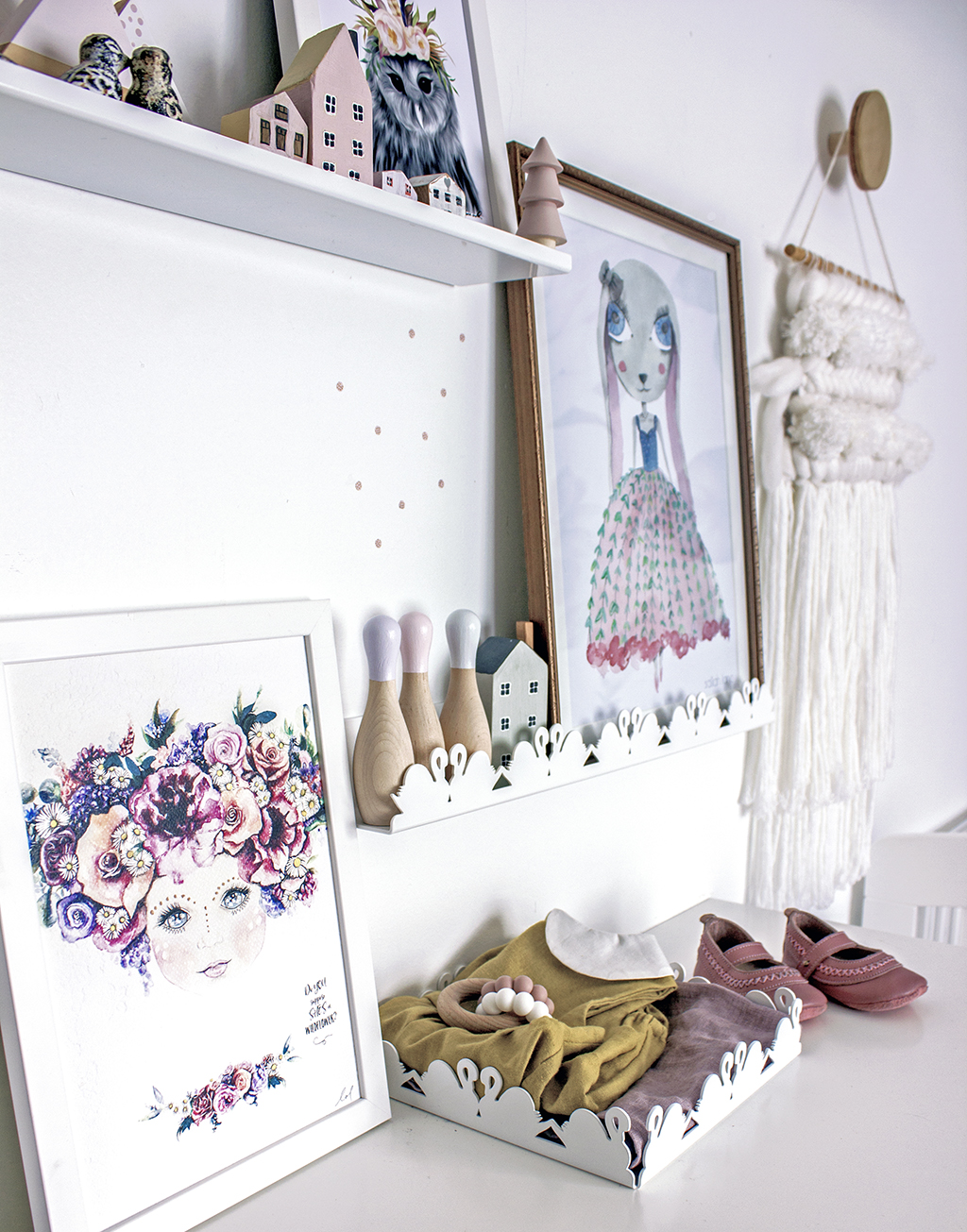 Piper_Nursery_Makeover_Feature_Floral_Wallpaper_Styled5.jpg