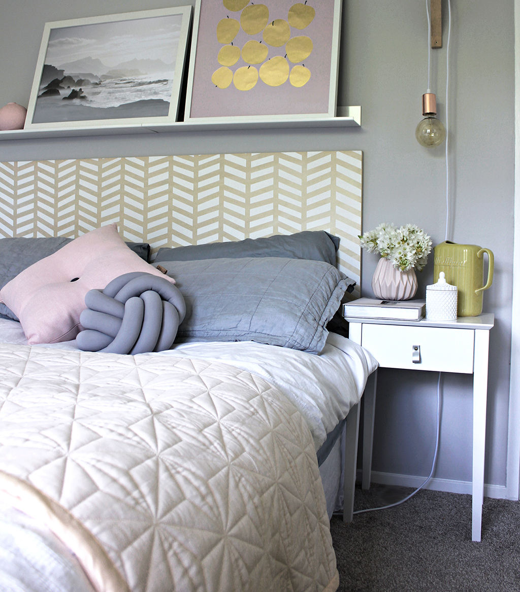 STyled_DIY_Herringbone_painted_headboard_with_Resene_paint_by_Clever_poppy4.jpg