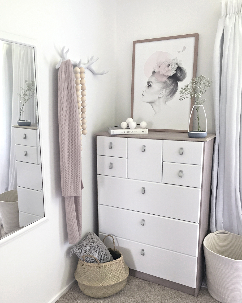 low-Res_Styled6_Clever_Poppy_Bedroom_Makeover.jpg