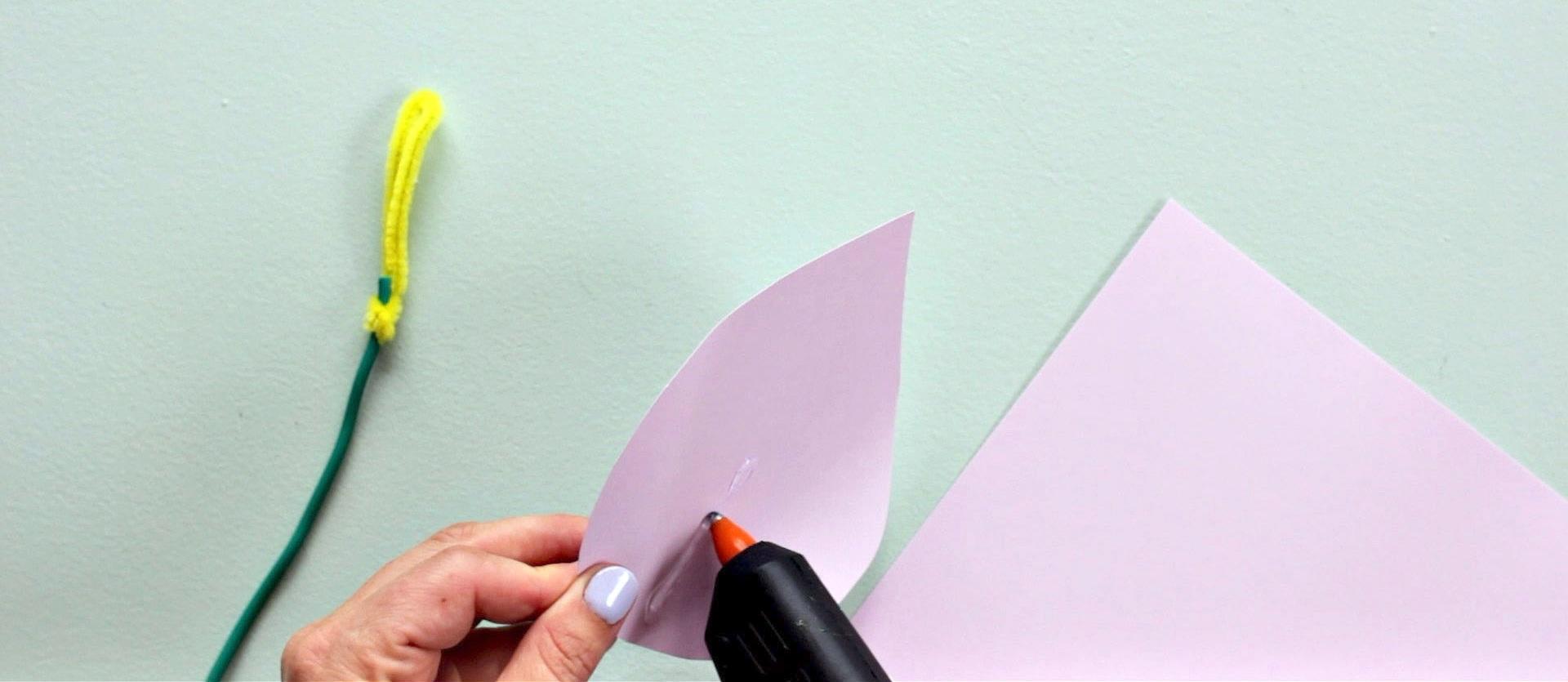 glue_stem_low_res_DIY_+Paper_Flowers_by_cleverpoppy.jpg