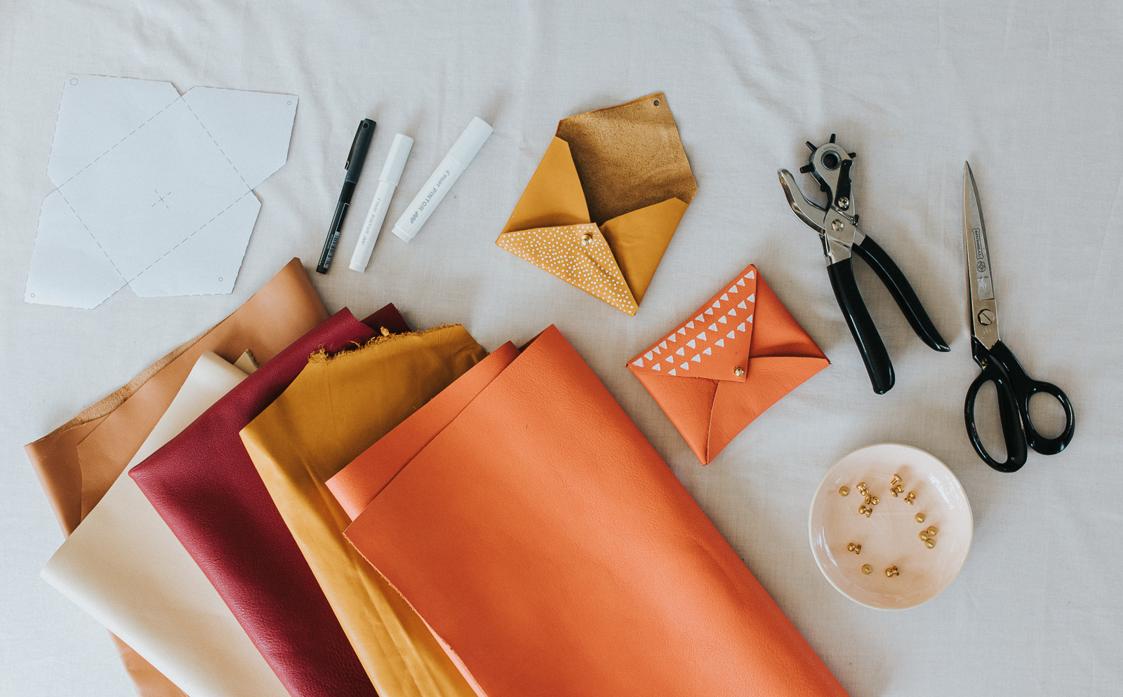 DIY_No_Sew_Leather_Pouches_by_Clever_Poppy SUpplies.jpg