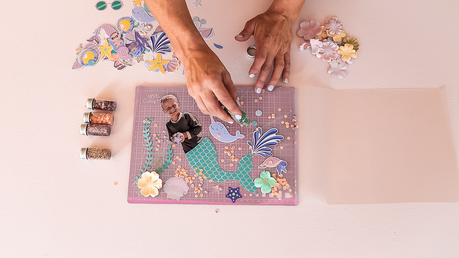 DIY_Party_Placemats_by_Clever_Poppy_Personalised_Mess-free_Mermaid_glitter.jpg