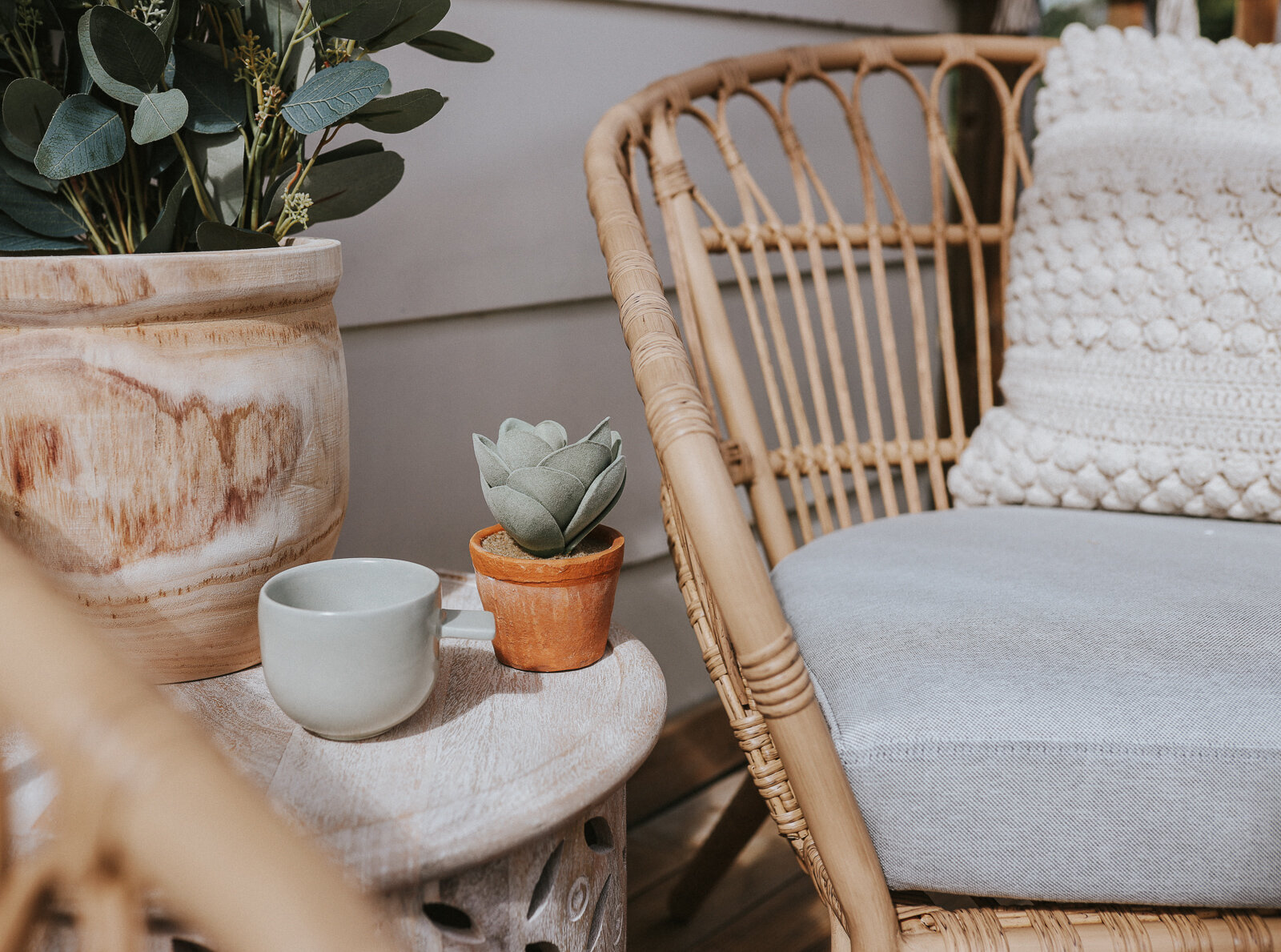 Small_deck_Makeover_two_ways_by_clever_Poppy_boho2.jpg