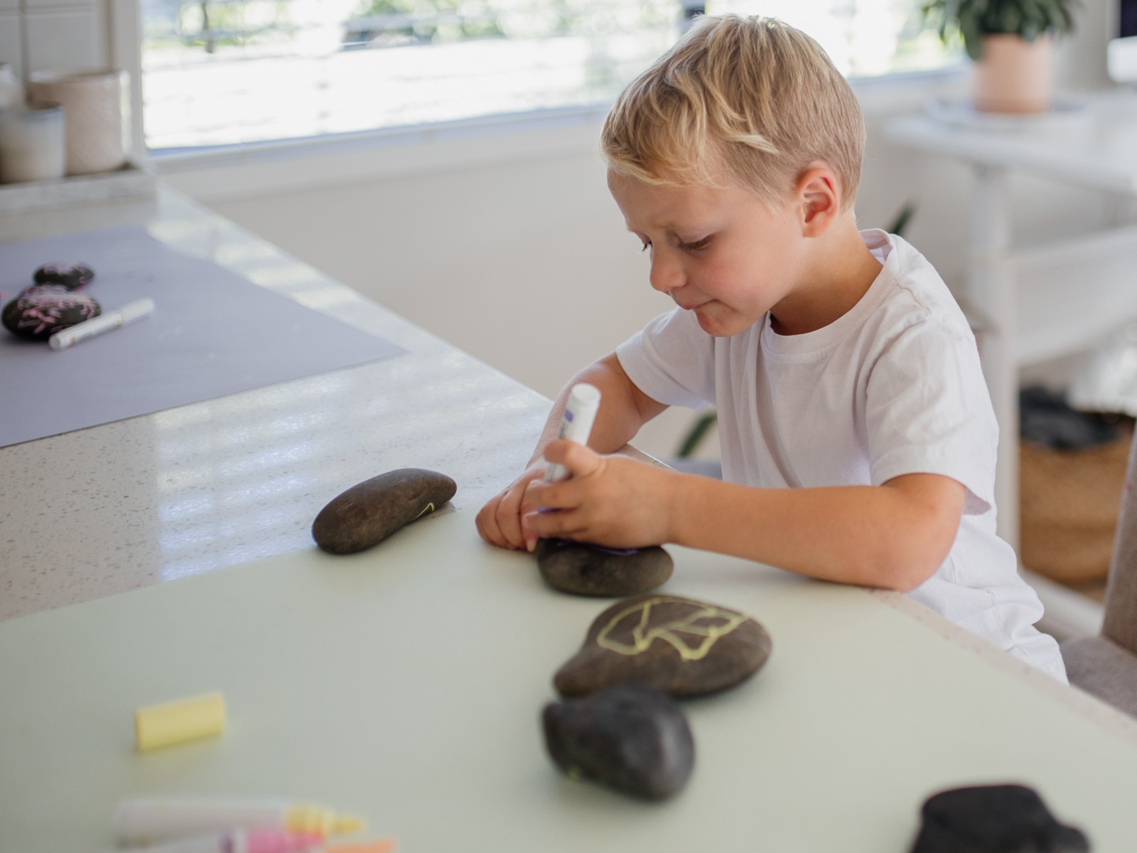 Painting+Pebbles+by+Clever+Poppy.10.jpg