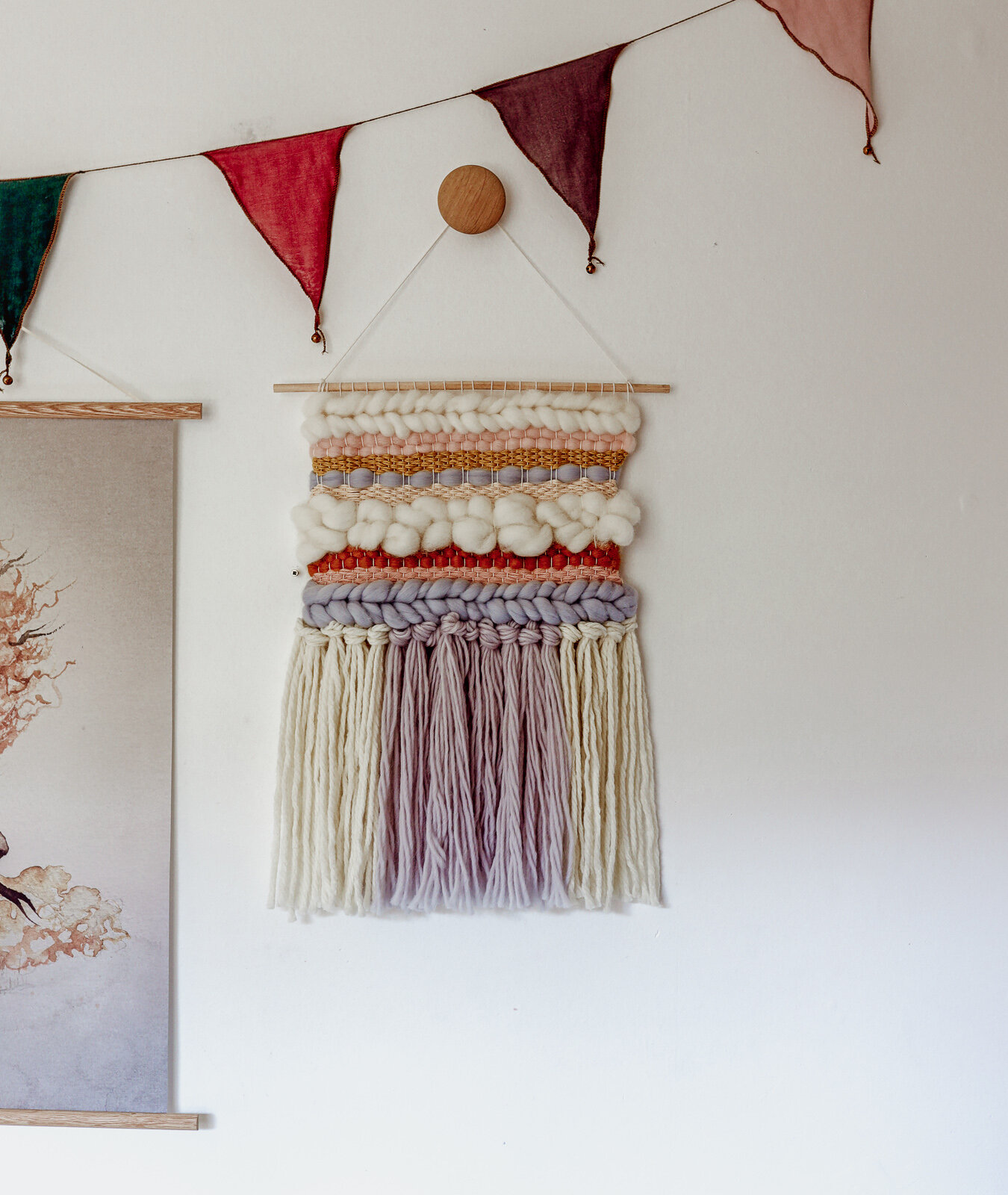 DIY_woven_wall_hanging_by_clever_poppy_finishedwall2.jpg
