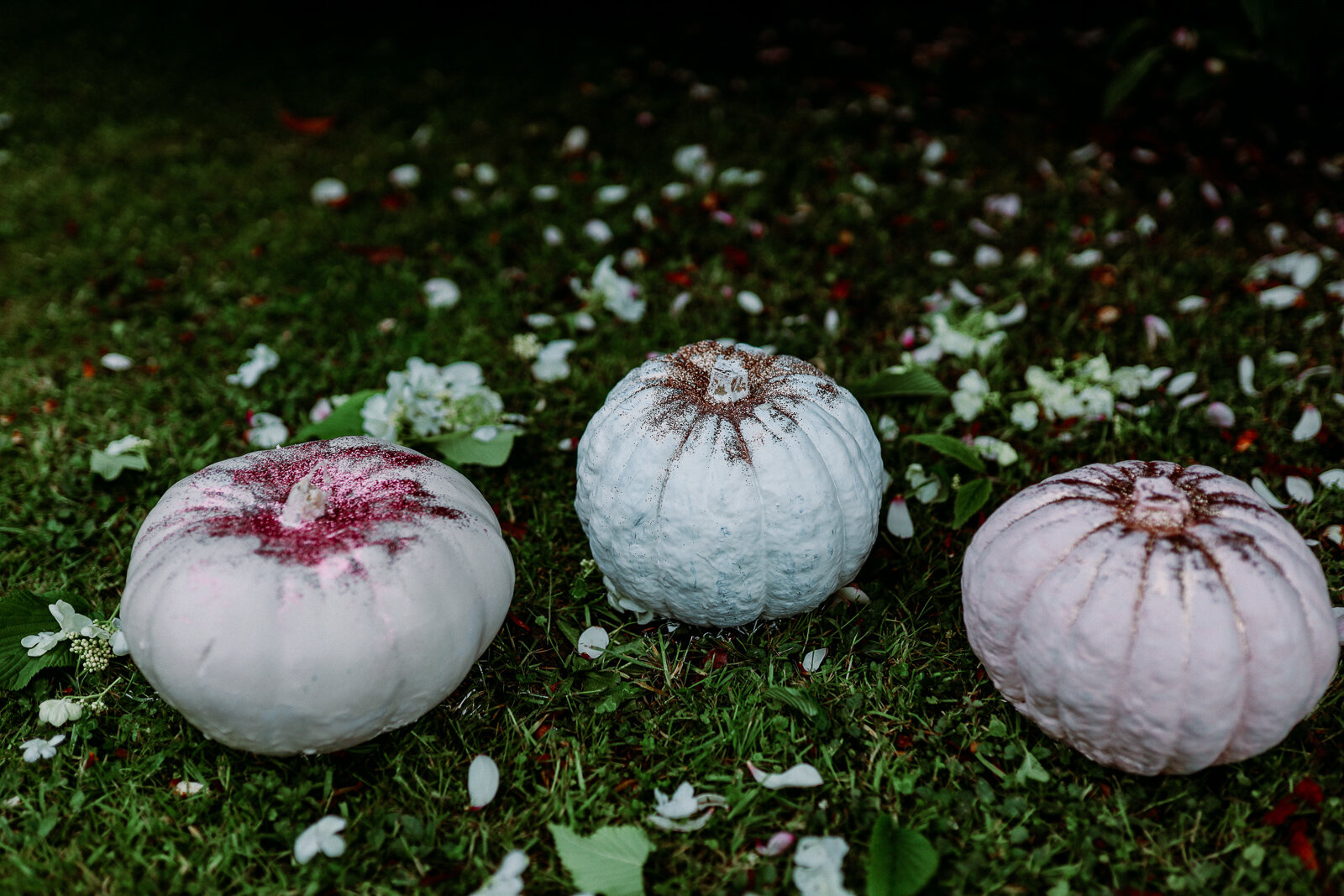 DIY_Painted_Pastel_Pumpkins_by_Clever_Poppy_finished_glitter_grass2.jpg
