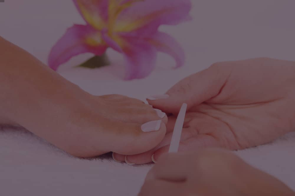 """""""I enjoy how she made me feel special. She uses great products. My nails lasted a long time without breaking.""""   ★★★★★"""