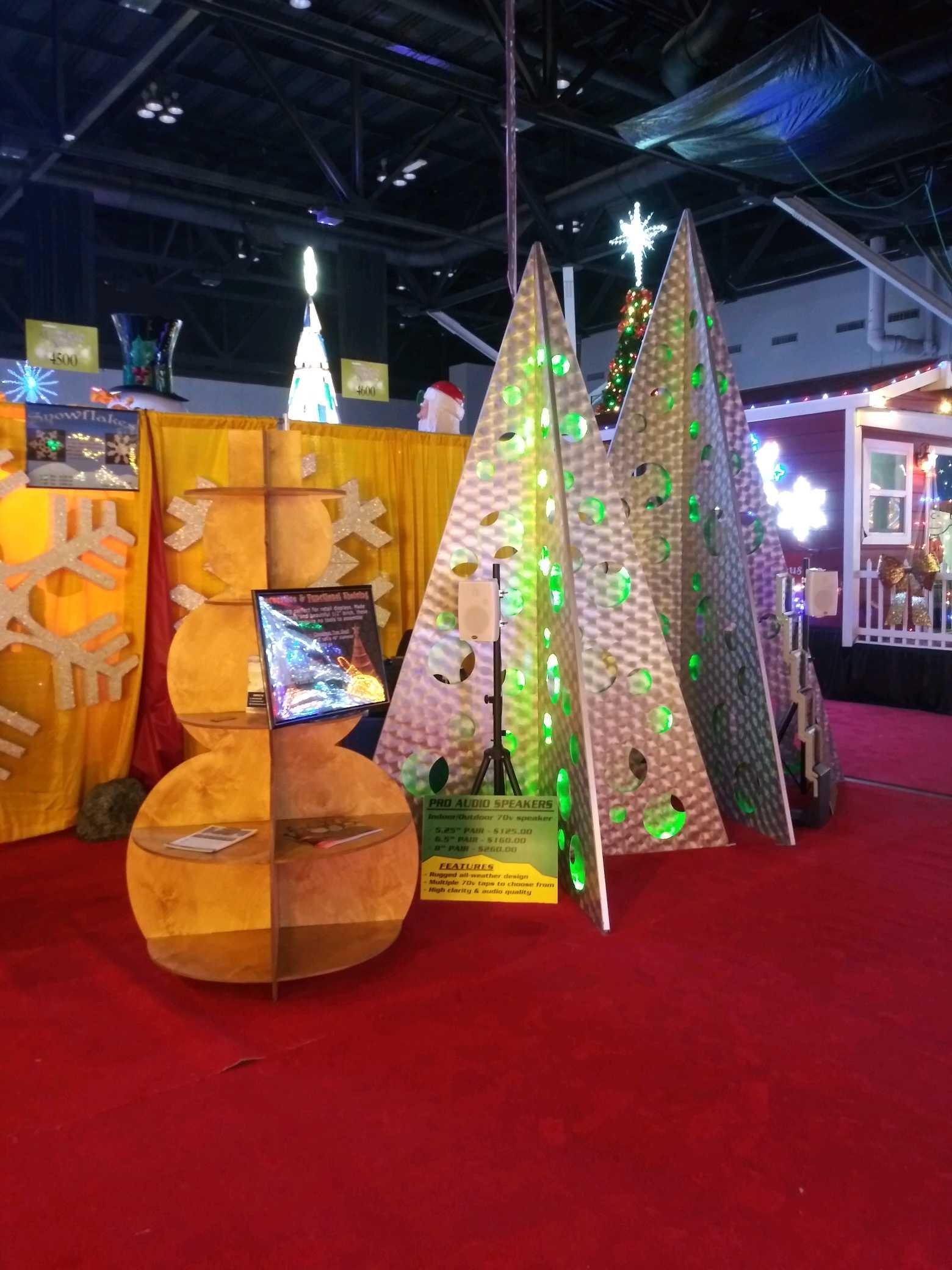 Christmas Displays at TransWorld