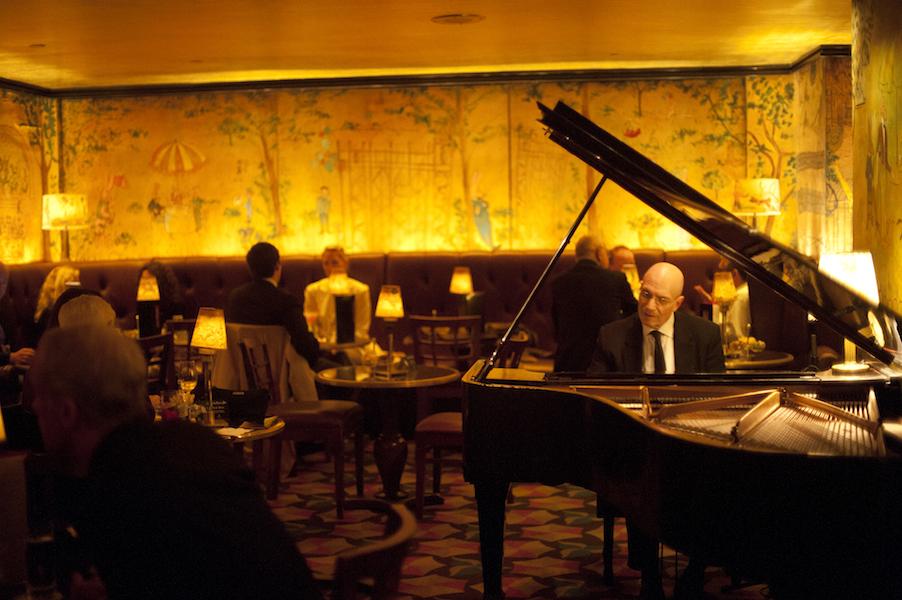 carlyle hotel bar.jpg