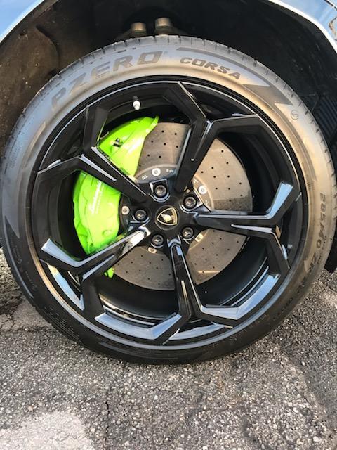 Lamborghini Urus after wheel repair & paint