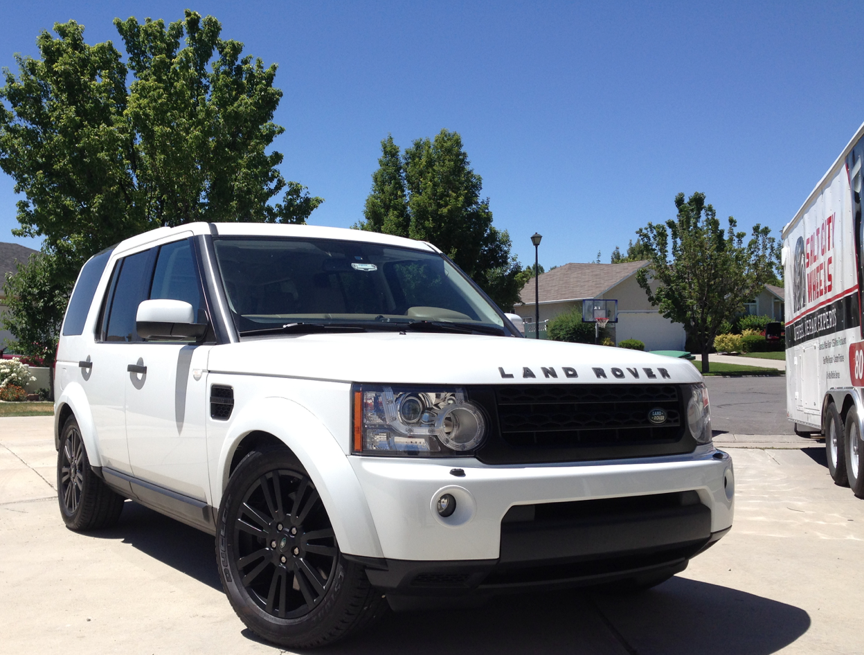 Range Rover after wheel painting