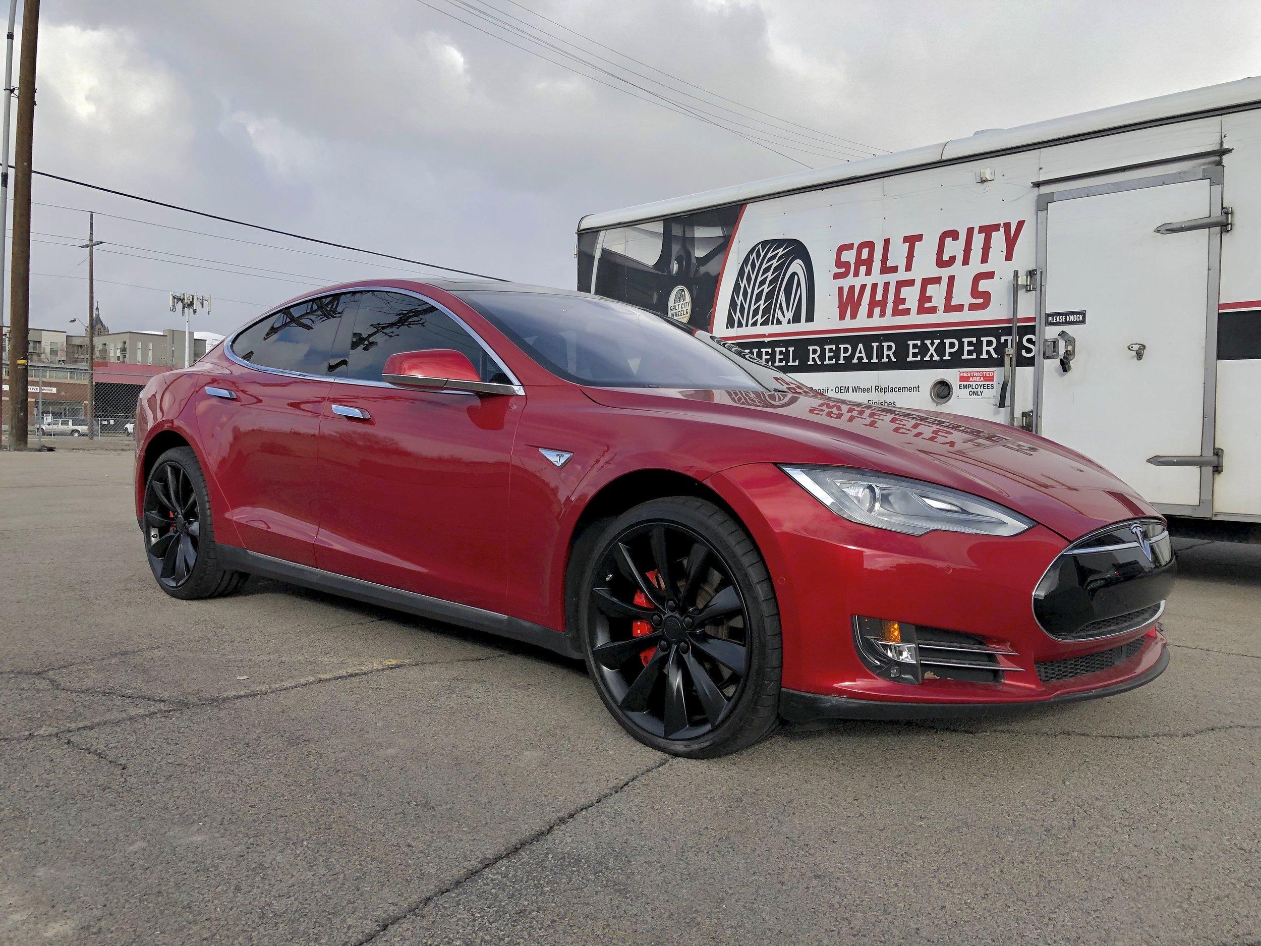 Tesla Model S after wheel paint