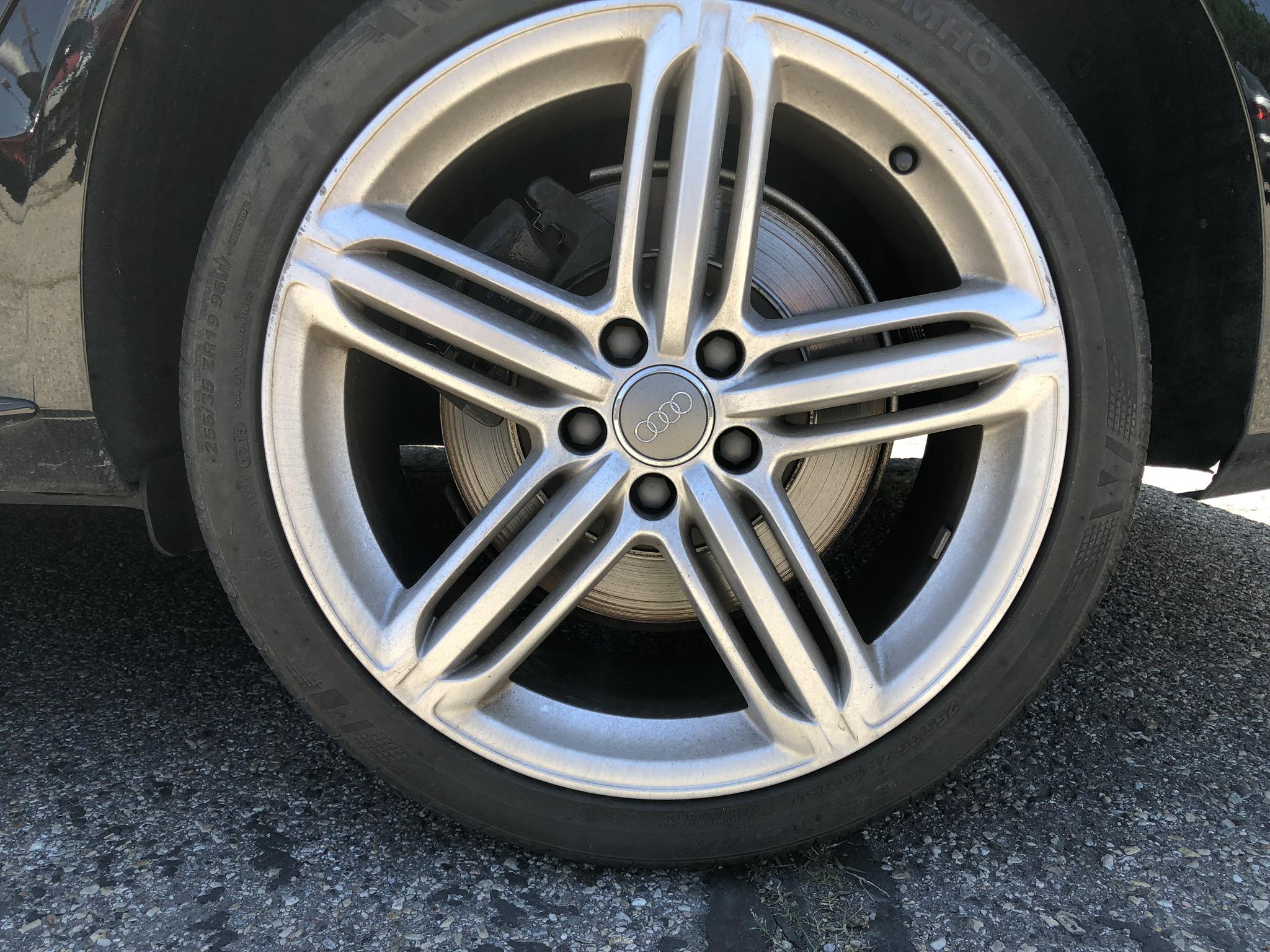 Audi S4 before wheel painting