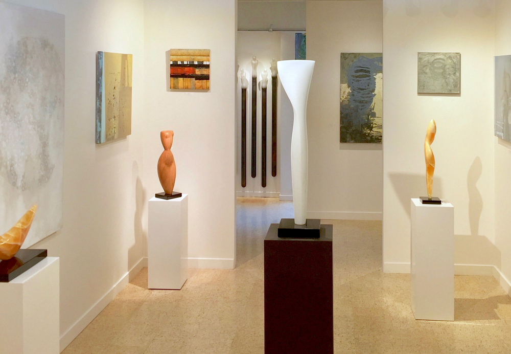 A gallery interior1.jpg