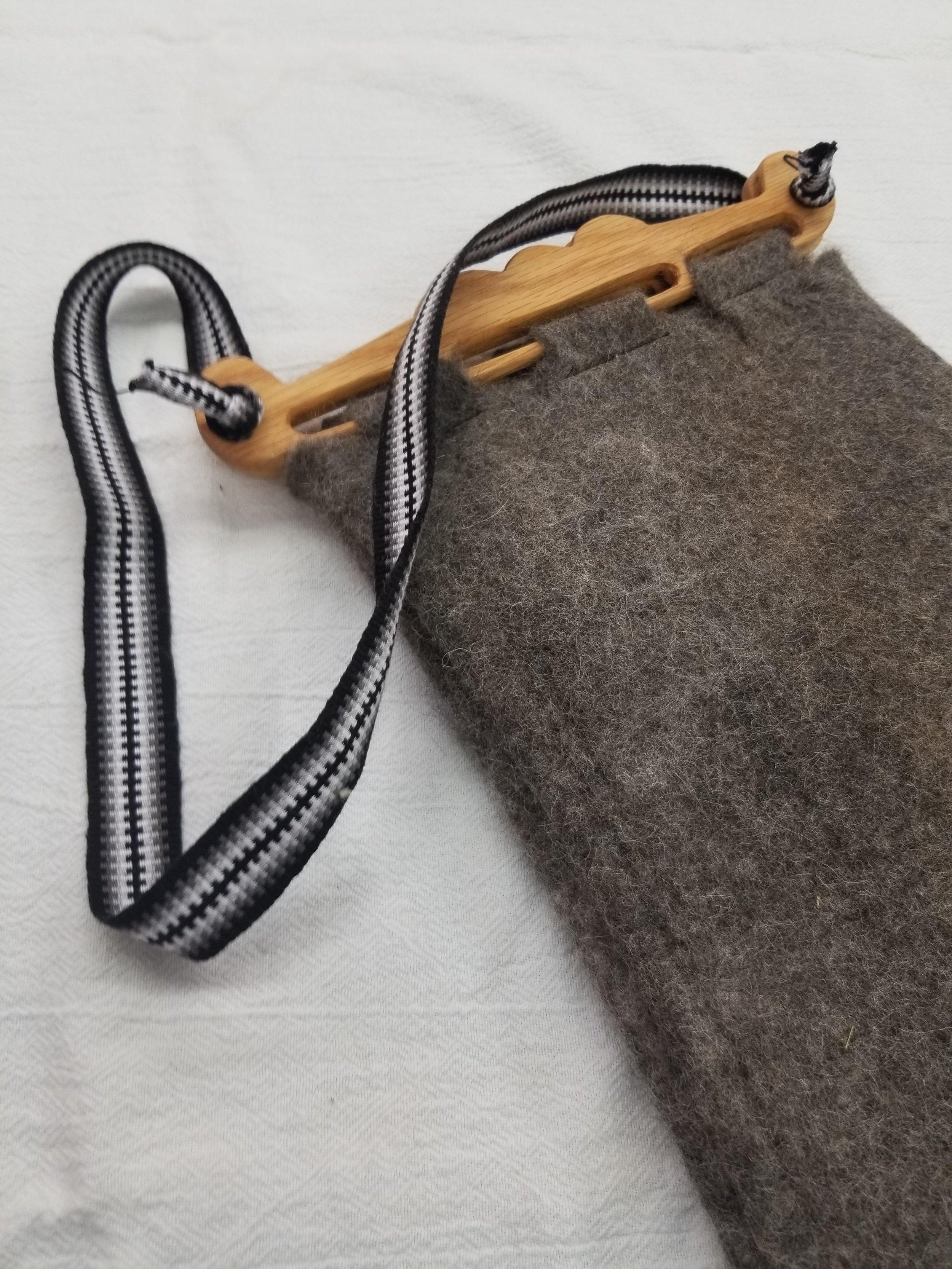 Alpaca Headeby Bag with grey black.jpg