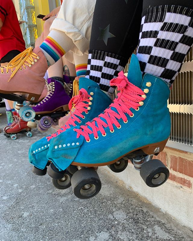 How fresh are Morgan's skates!?⠀⠀⠀⠀⠀⠀⠀⠀⠀ ⠀⠀⠀⠀⠀⠀⠀⠀⠀ We live for a pool blue Moxi!⠀⠀⠀⠀⠀⠀⠀⠀⠀ ⠀⠀⠀⠀⠀⠀⠀⠀⠀ What Moxi color is your fav? Top three!?⠀⠀⠀⠀⠀⠀⠀⠀⠀ ⠀⠀⠀⠀⠀⠀⠀⠀⠀ 🎈On yellow + orange skates,⠀⠀⠀⠀⠀⠀⠀⠀⠀⠀ Randi + Sunshine⠀⠀⠀⠀⠀⠀⠀⠀⠀ .⠀⠀⠀⠀⠀⠀⠀⠀⠀ .⠀⠀⠀⠀⠀⠀⠀⠀⠀ .⠀⠀⠀⠀⠀⠀⠀⠀⠀ .⠀⠀⠀⠀⠀⠀⠀⠀⠀ .⠀⠀⠀⠀⠀⠀⠀⠀⠀ .⠀⠀⠀⠀⠀⠀⠀⠀⠀ .⠀⠀⠀⠀⠀⠀⠀⠀⠀ #rollerskating #moxiskates #moxirollerskates #rollerblade #inlineskates #skateshop #goskate #moxiskatedaily #rollerskates #chattanooga #chattanoogarollerskating #tennesseerollerskating #rollerskatechattanooga #skatechattanooga #unitedskates #skatefam #skatesquad #goodvibesonly #skate #skateeverydamnday #skateveryday #randiandsunshine #sanctuaryskatecompany⠀⠀⠀⠀⠀⠀⠀⠀⠀ #skatesquad #vibeattractsyourtribe
