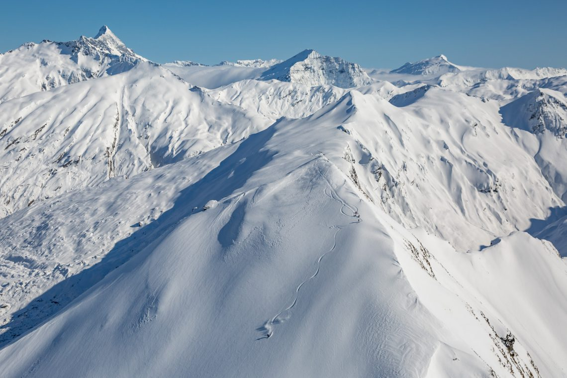Endless peaks with varied terrain for all levels of skiing and snowboarding