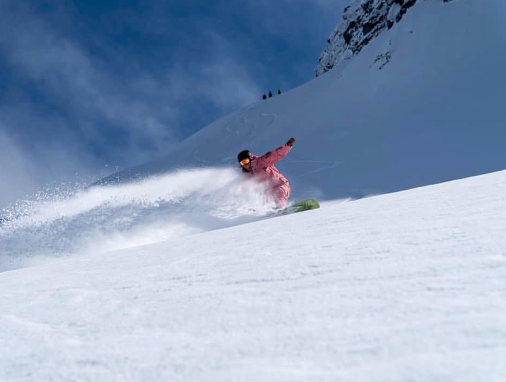 Steph Prem throwing up powder on a heliboarding day with us….what broken back?