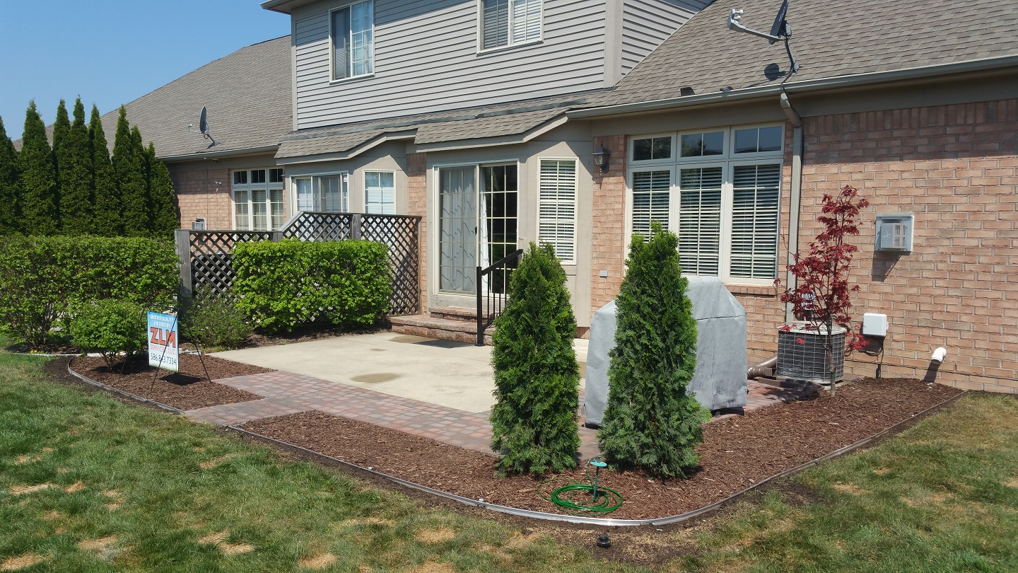 Landscape design with patio pavers in Rochester Hills, Michigan