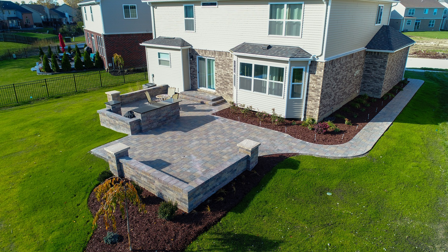 Brick pavers for retaining wall in Shelby Township, Michigan