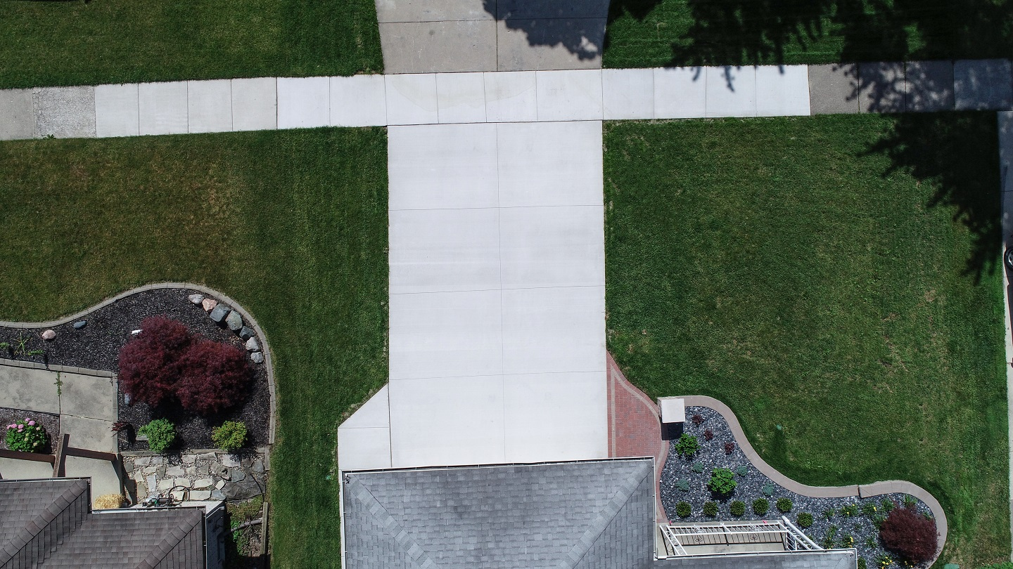 Rochester Hills, Michigan landscapers near me with top patio pavers and concrete work