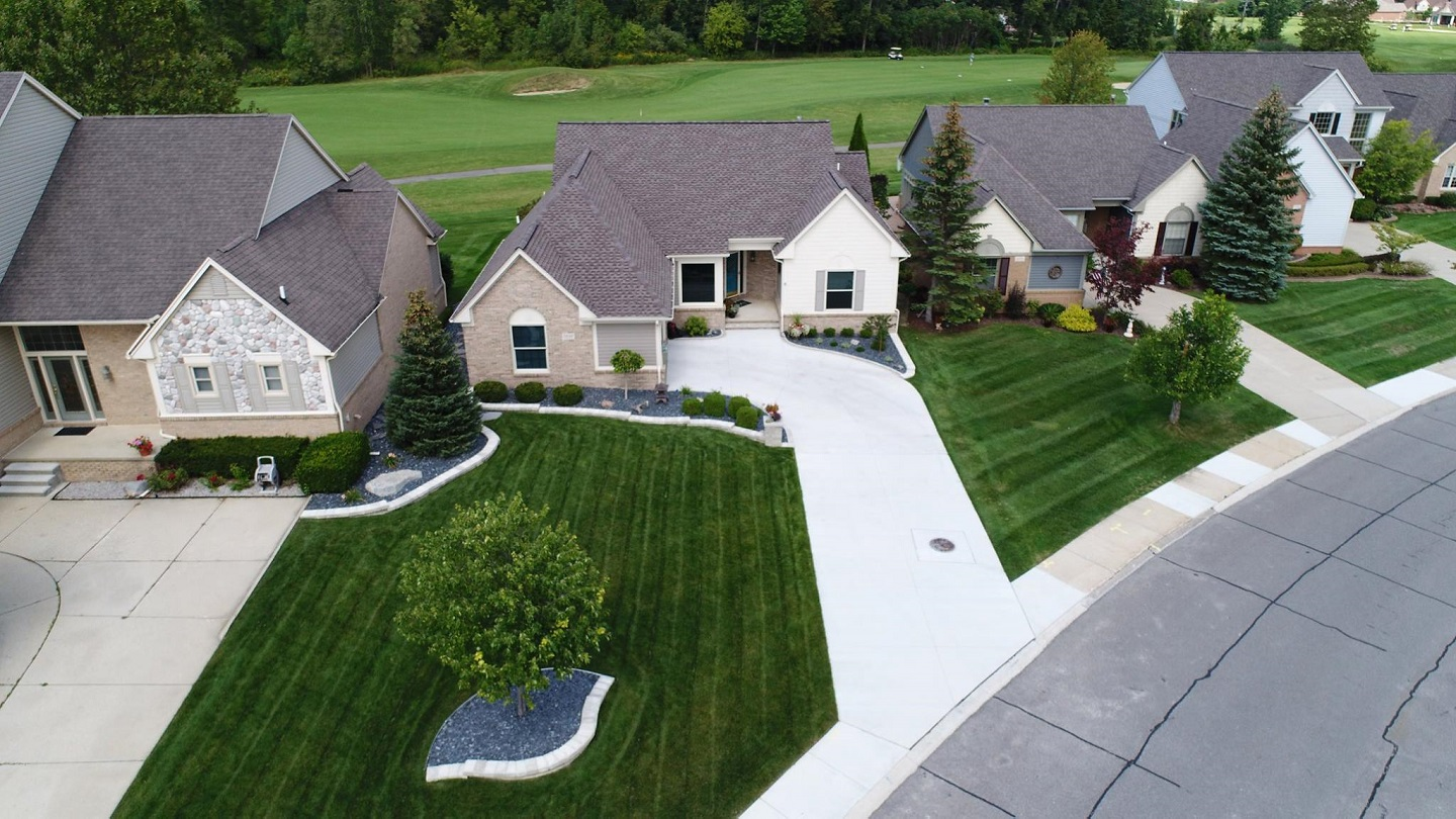 Lawn service by landscapers near me in Rochester Hills, MI