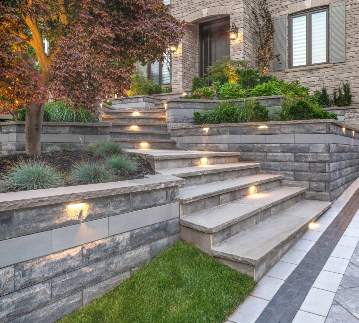 Shelby Tonwship, Michigan entrance steps with landscape lighting