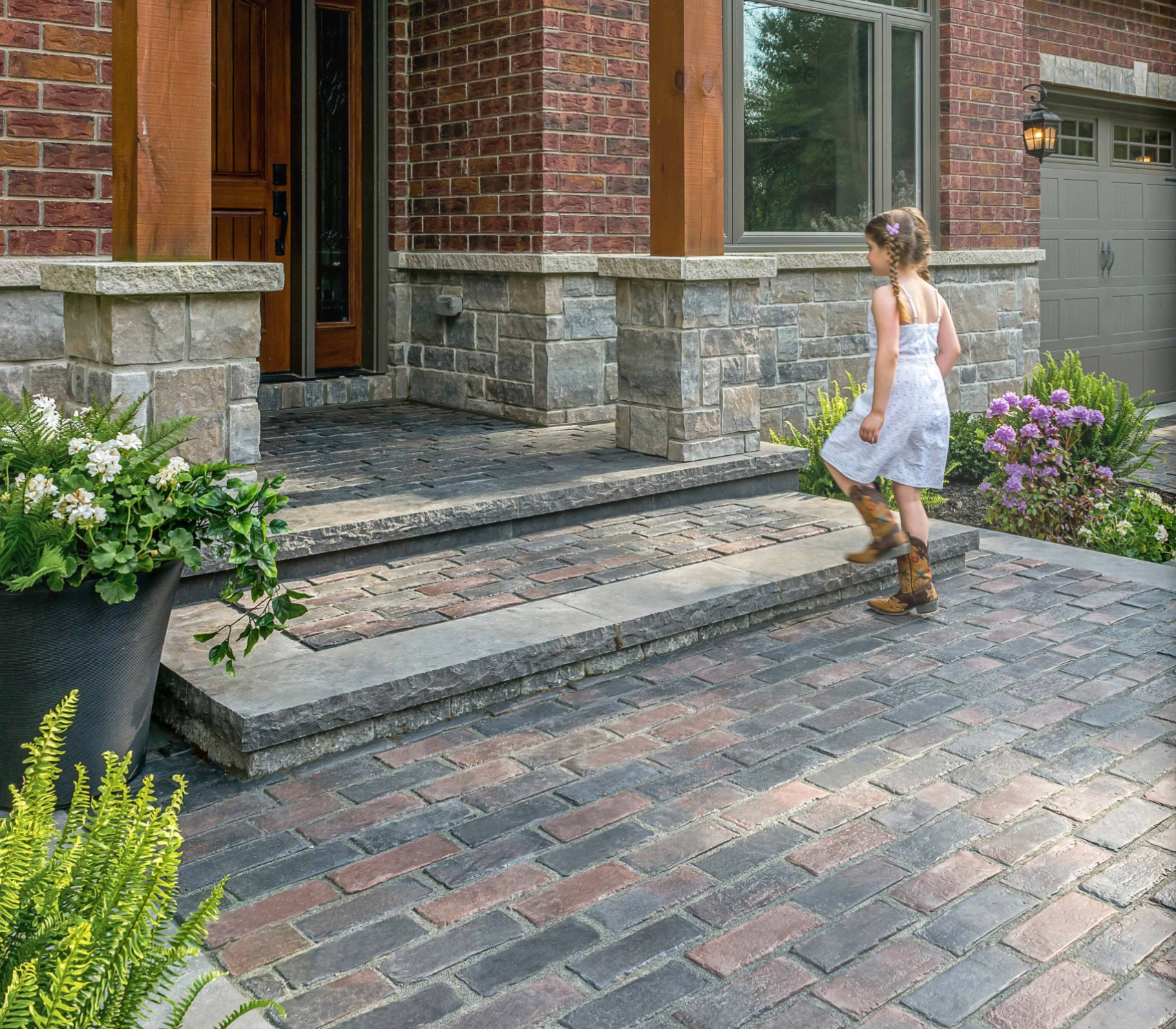 Top quality brick pavers and retaining wall in Shelby Township, MI