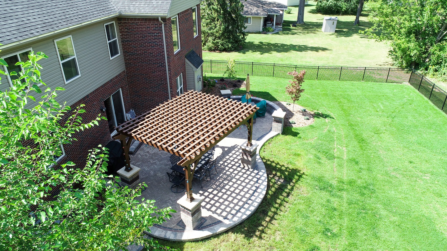 Landscape design in Macomb Township, MI with pergola