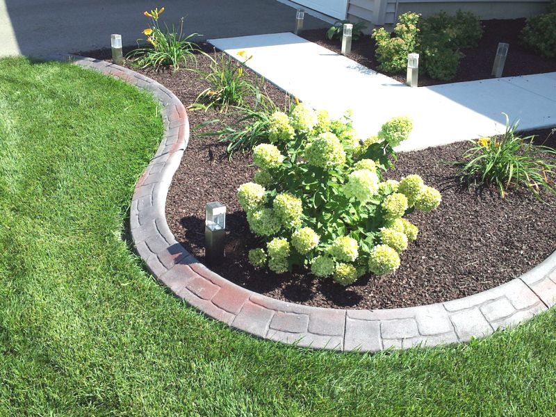 Stunning landscape edging in Shelby Township, Michigan