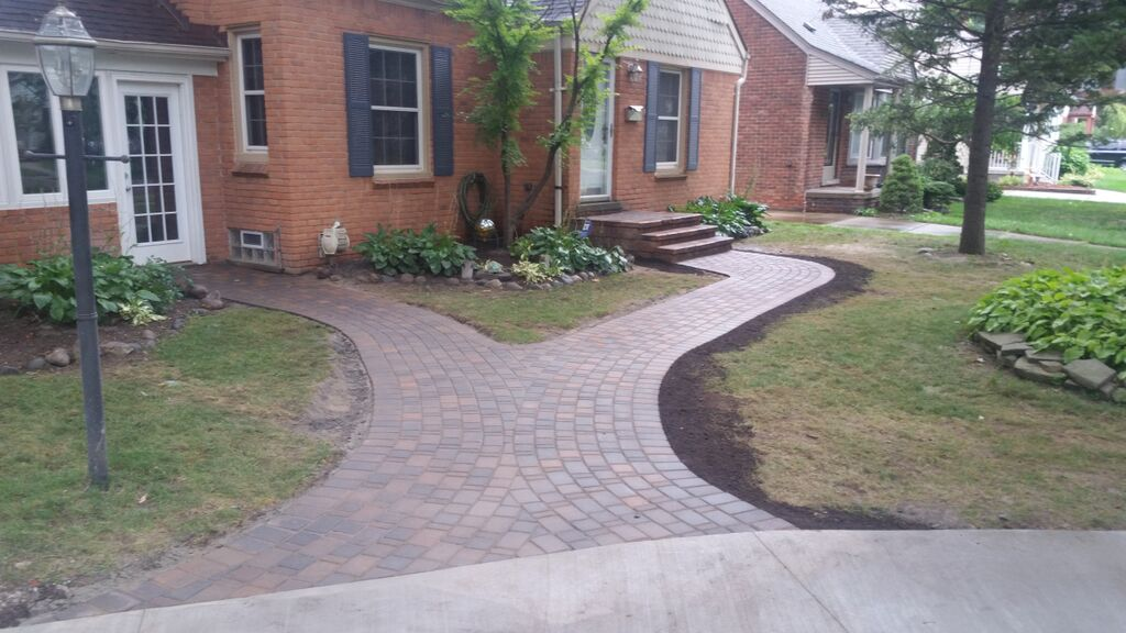 3 Creative Ways to Use Landscape Lighting for Your Front Entry in Rochester Hills, MI