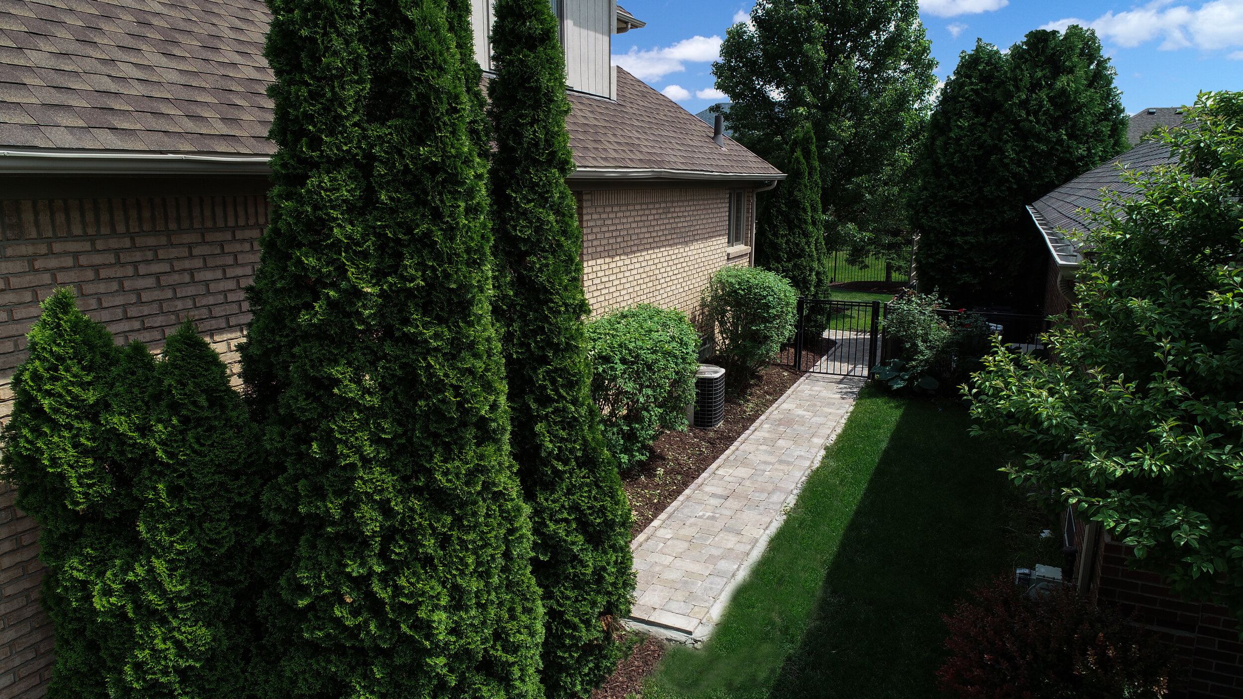 3 Ways to Use Creative Landscape Design to Create Snow Breaks in Your Macomb Township, MI, Front Yard