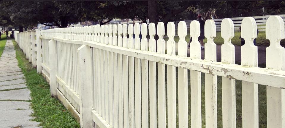 White-picket-fence.jpg
