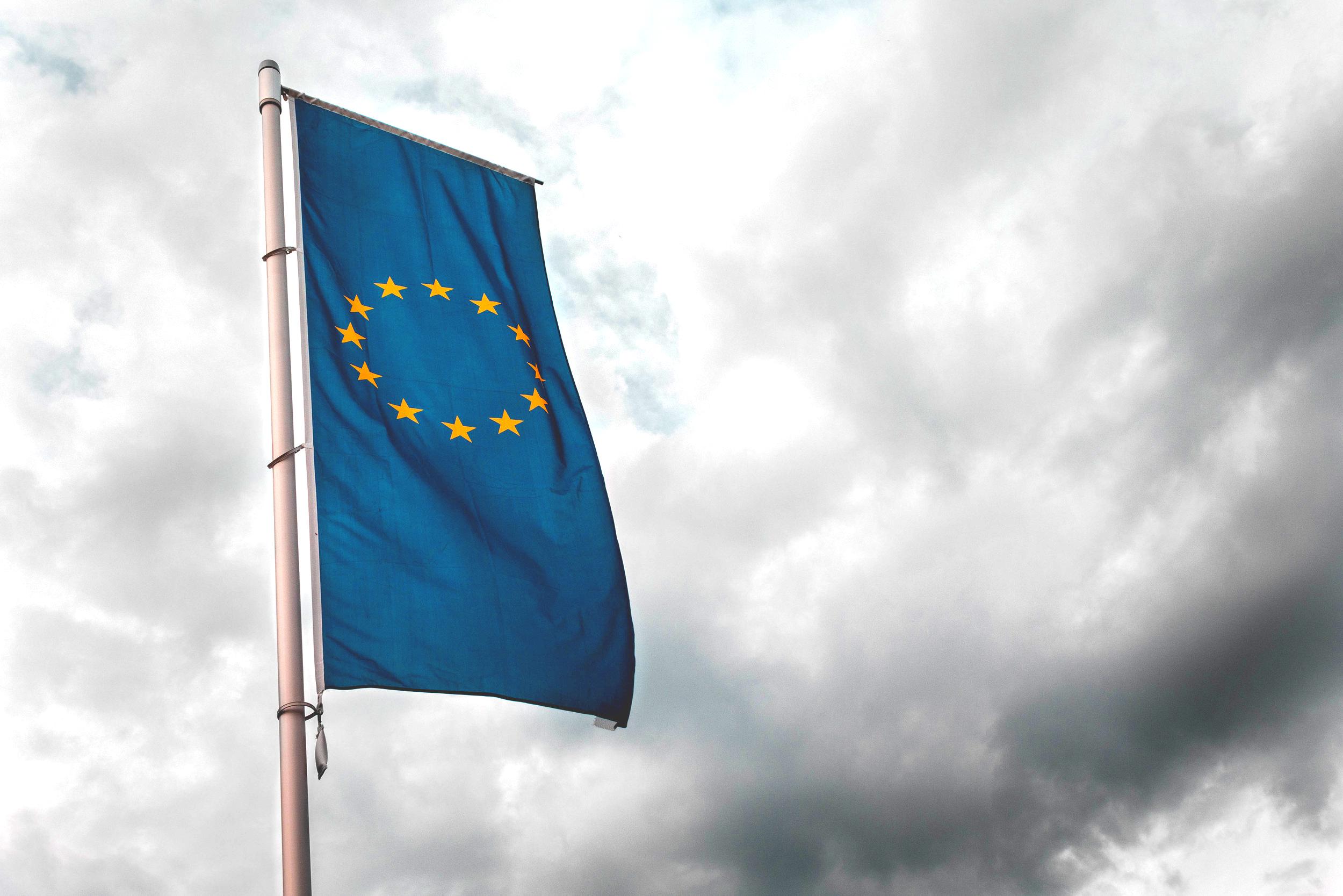 Droit de l'Union européenne — Marchés publics — concurrence - Le cabinet prodigue également ses conseils et son assistance en droit de l'Union européenne, droit des marchés publics (aide à la passation, exécution, résolution) et en droit de la concurrence (pratiques anticoncurrentielles, aides d'Etat, concentrations).
