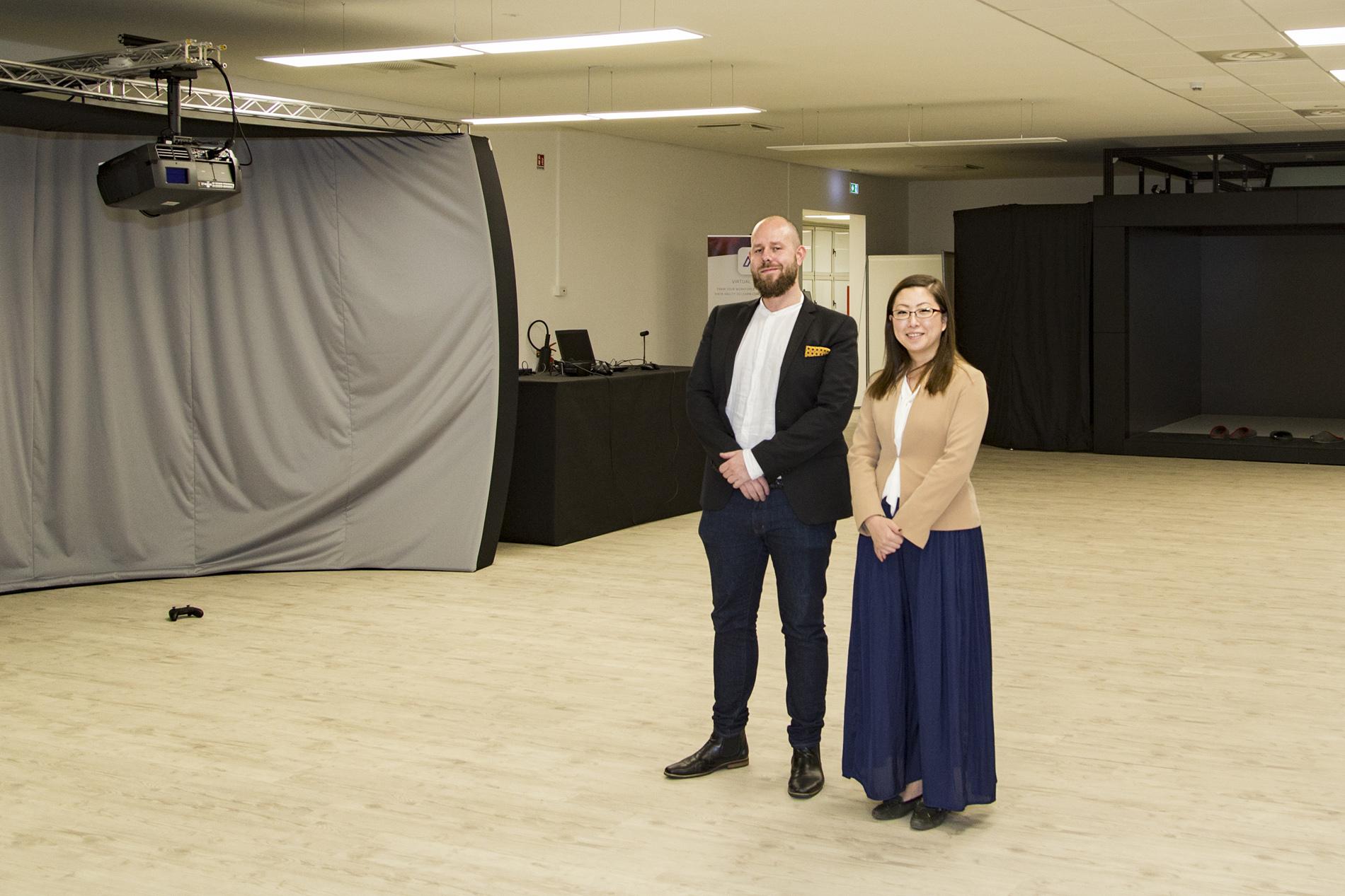 AVRJapanの立石万弓さんと新社員Bjørne Hoffさん。AVRJapan's Mayumi Tateishi and Bjørne Hoff.