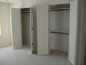 1_closet.jpg