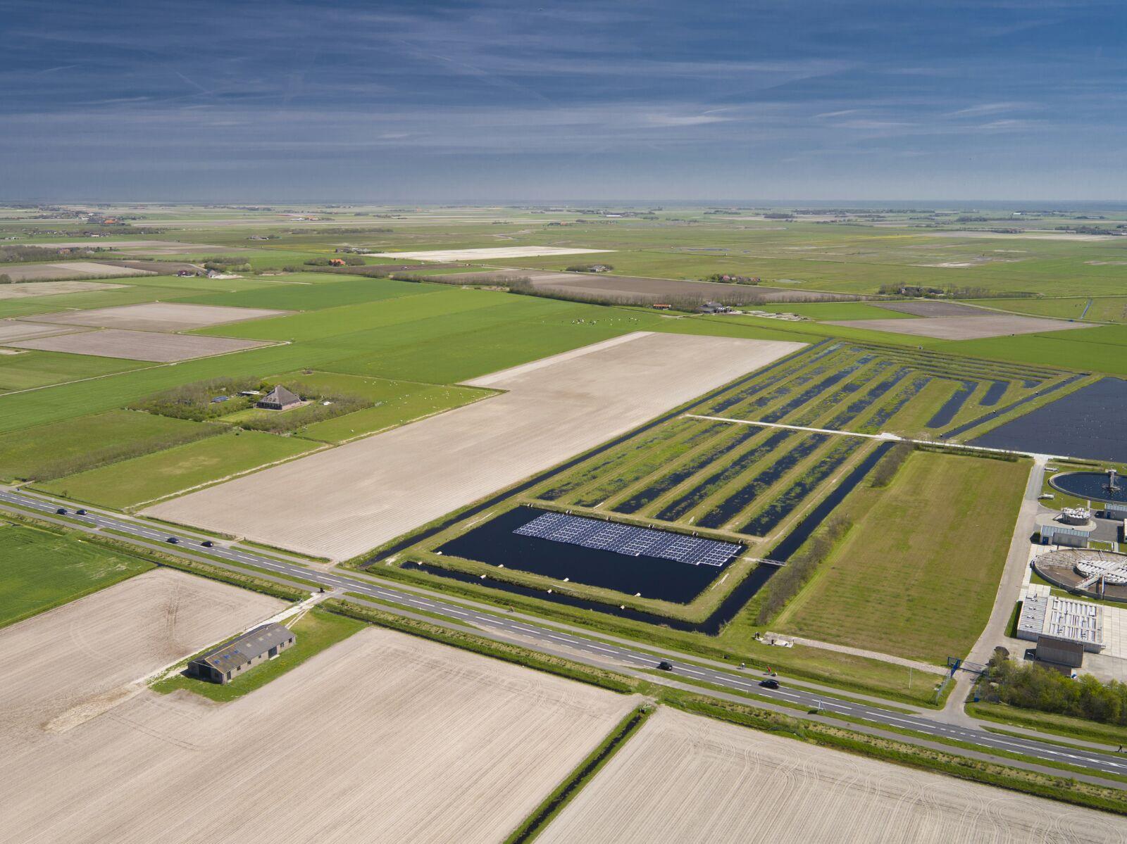 Floating-solar-pv-system-netherlands-nederland-texel-04.jpg