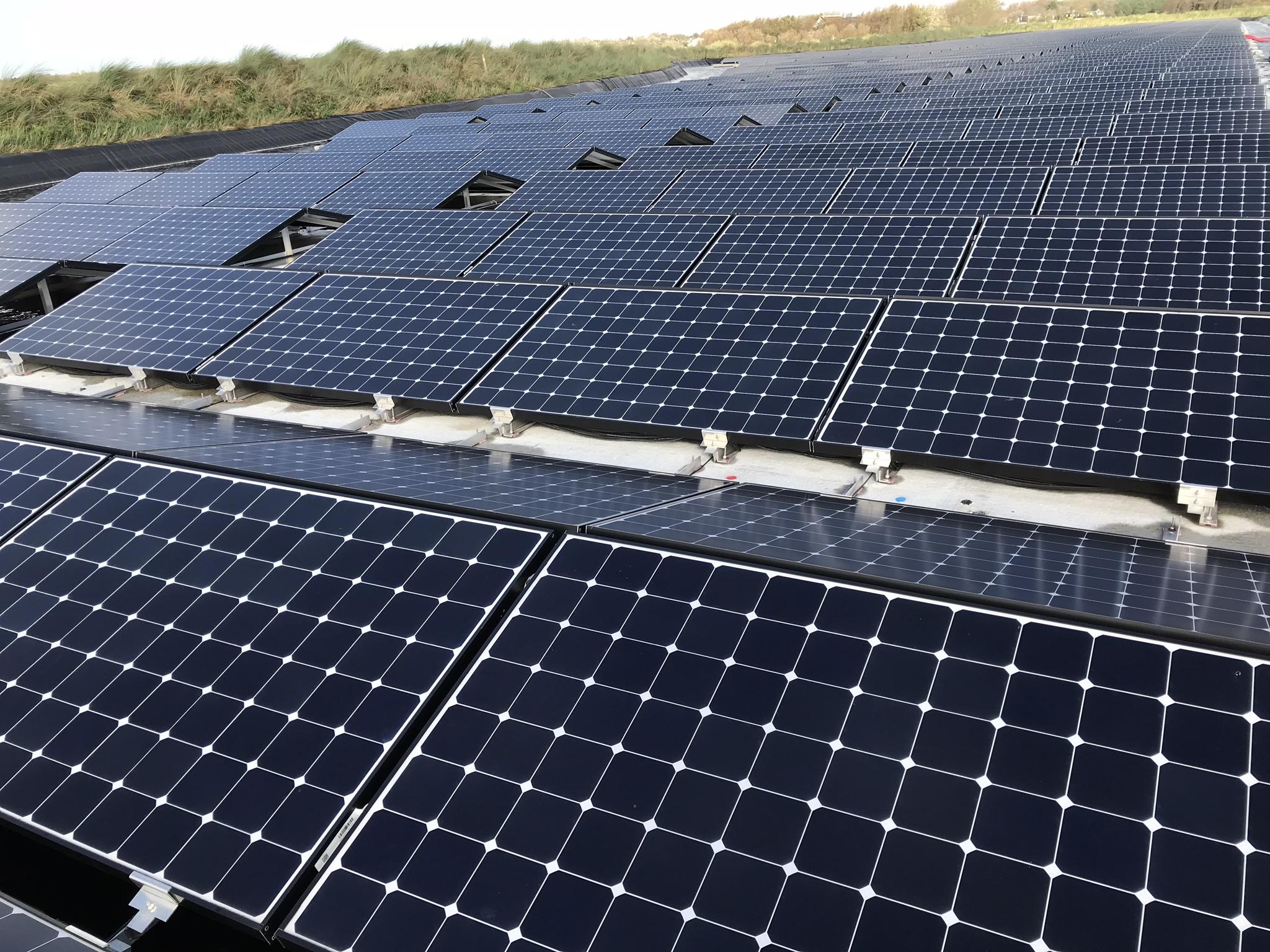 Floating-solar-pv-system-netherlands-nederland-texel-05.jpeg
