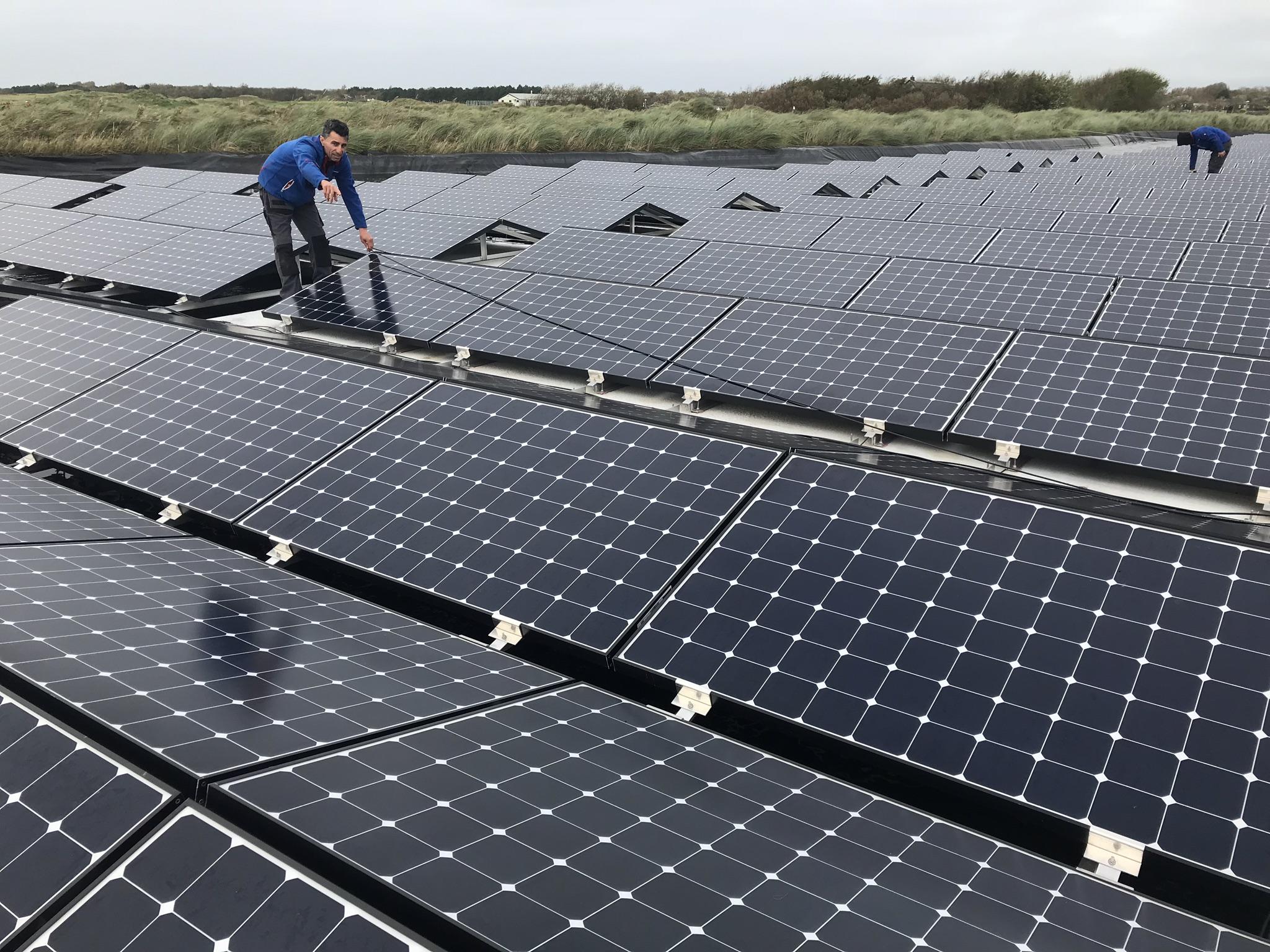 Floating-solar-pv-system-netherlands-nederland-texel-08.jpeg