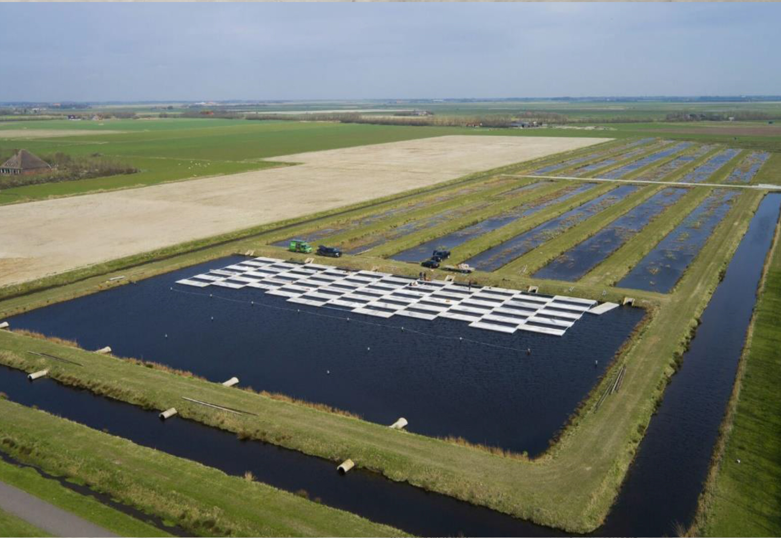 Floating-solar-pv-system-netherlands-nederland-texel-01.jpg