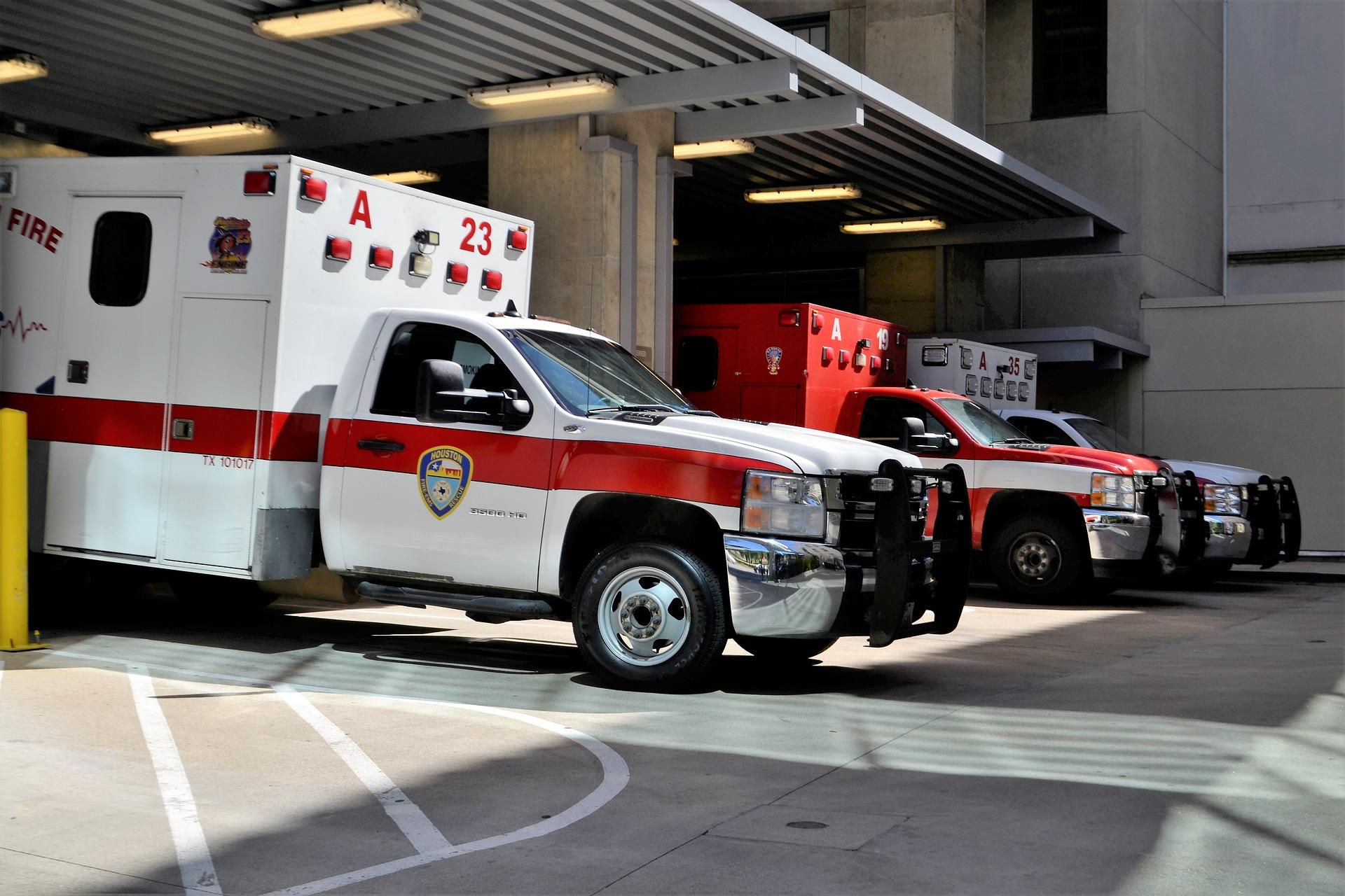 emergency-room-3323451_1920.jpg