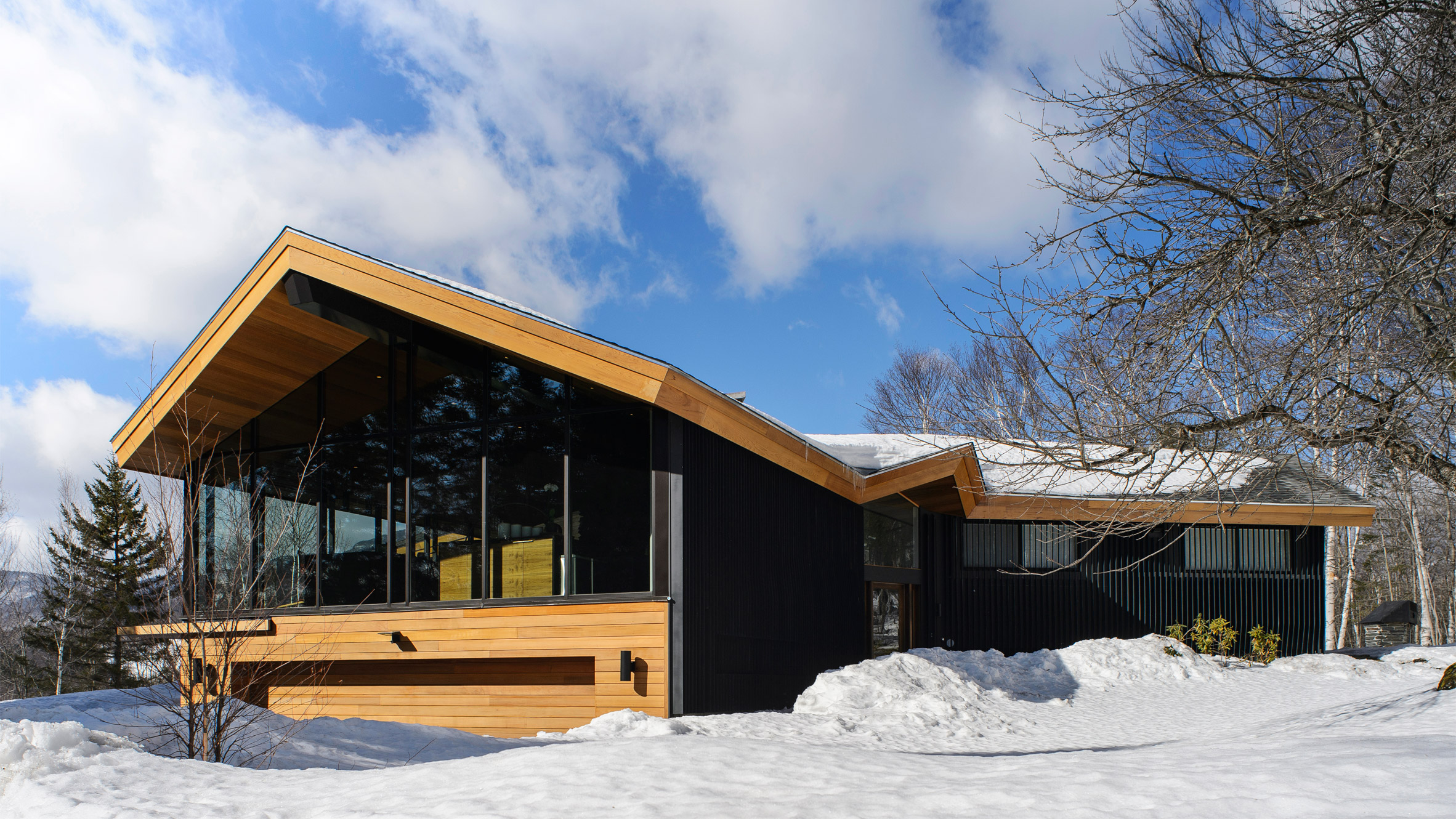 glass-trefoil-house-jroc-studio-vermont-home-architecture-usa-stowe-glazing_dezeen_hero-2 (1).jpg