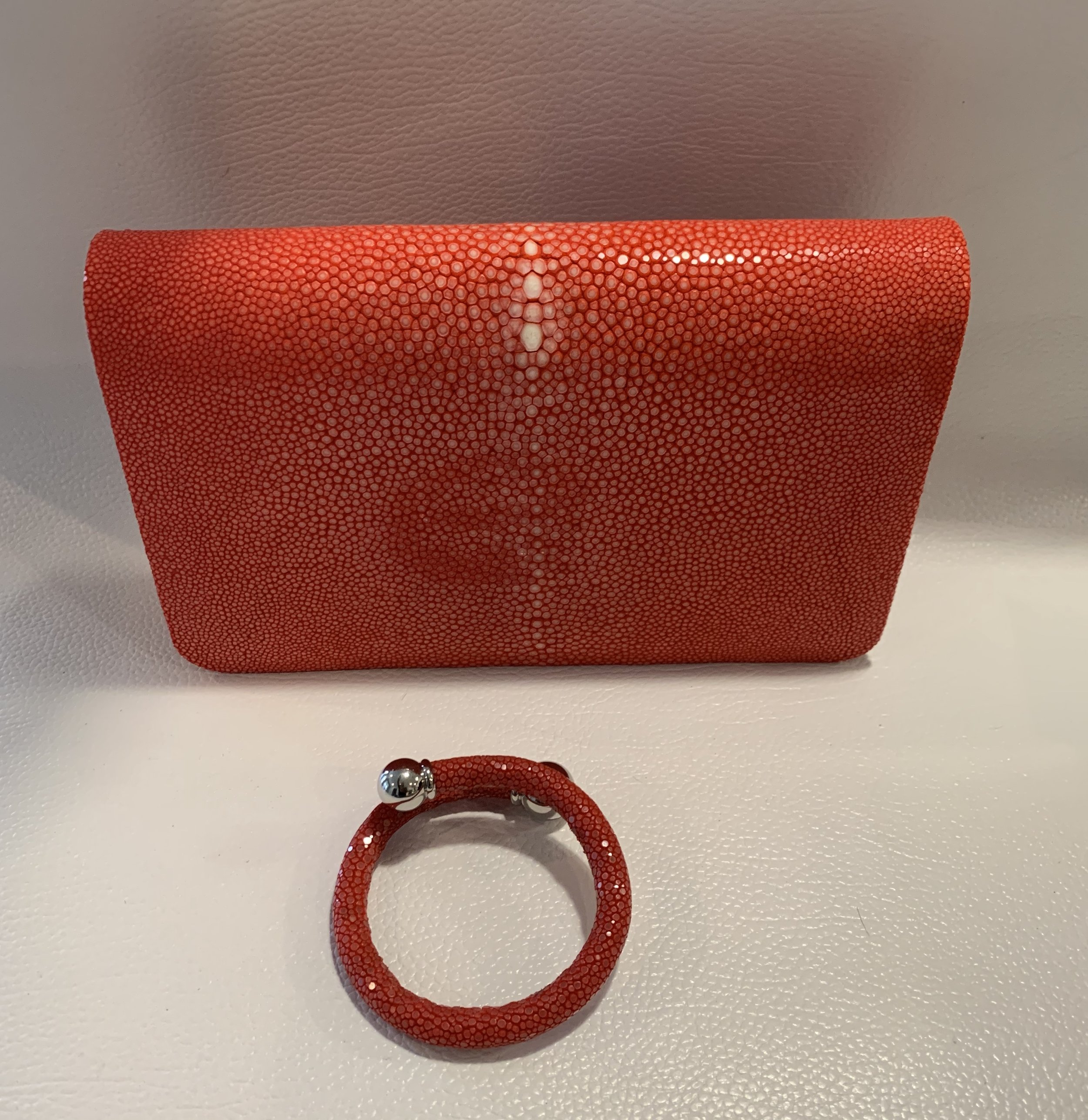 Timeless Stingray Bag/Clutch 699.00 699.00