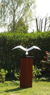 Jeroen Stok,  Swan Sculpture