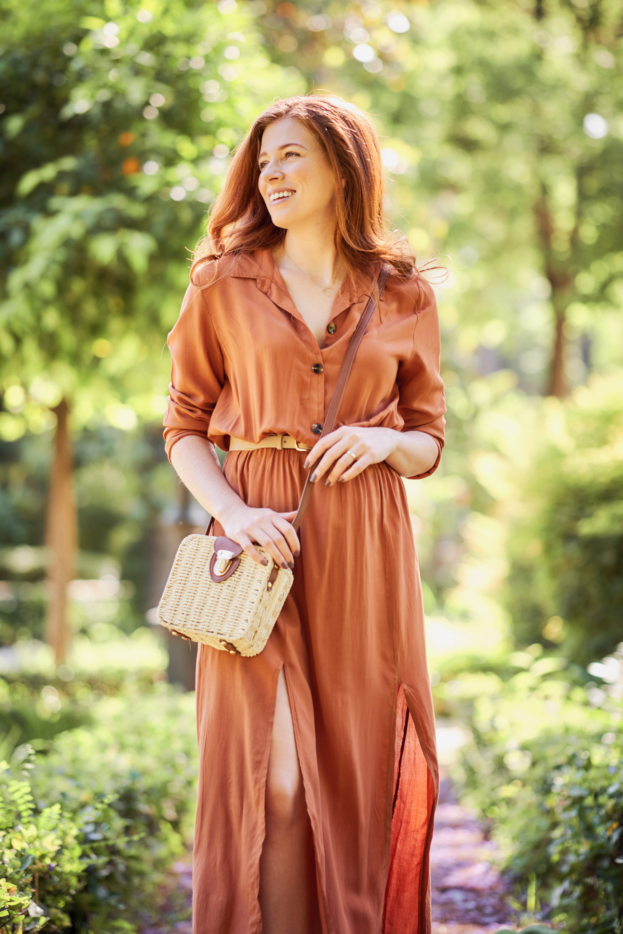 - This lightweight shirt dress is great for keeping shoulders/arms covered in warmer climates.Dress: BoohooBag: PrimarkBelt: HM