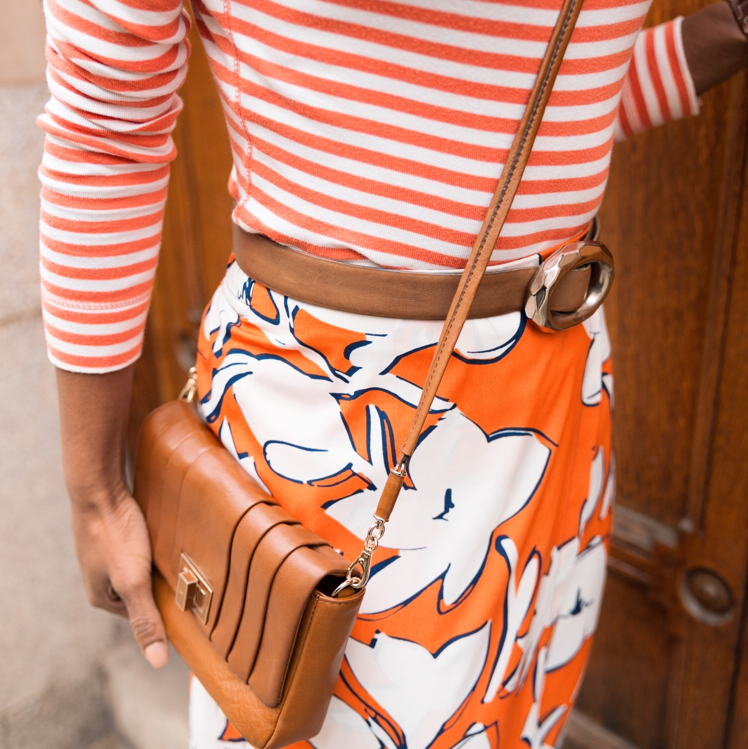 - I love to contrast my prints which I understand is not for everyone.If your in doubt, I would start by using the same colour palette and don't use anymore than 2 prints. Surprisingly stripes and florals work really well together and if you're not into bold colours you can easily try a monochrome print clash.