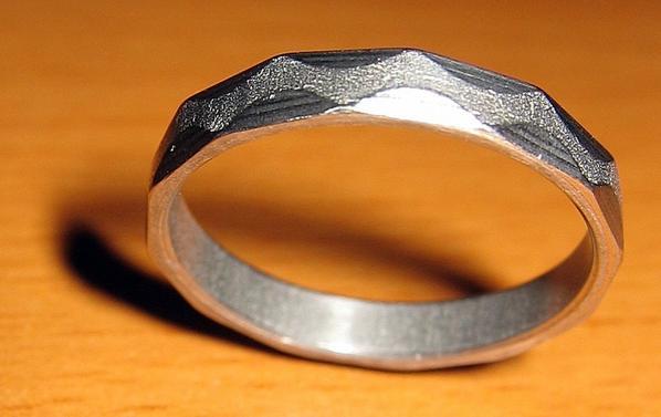 ring-thumb.jpg