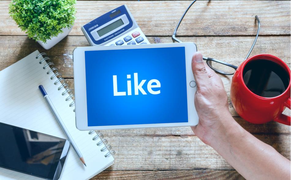 take-advantage-of-facebook-advertising-now.jpg