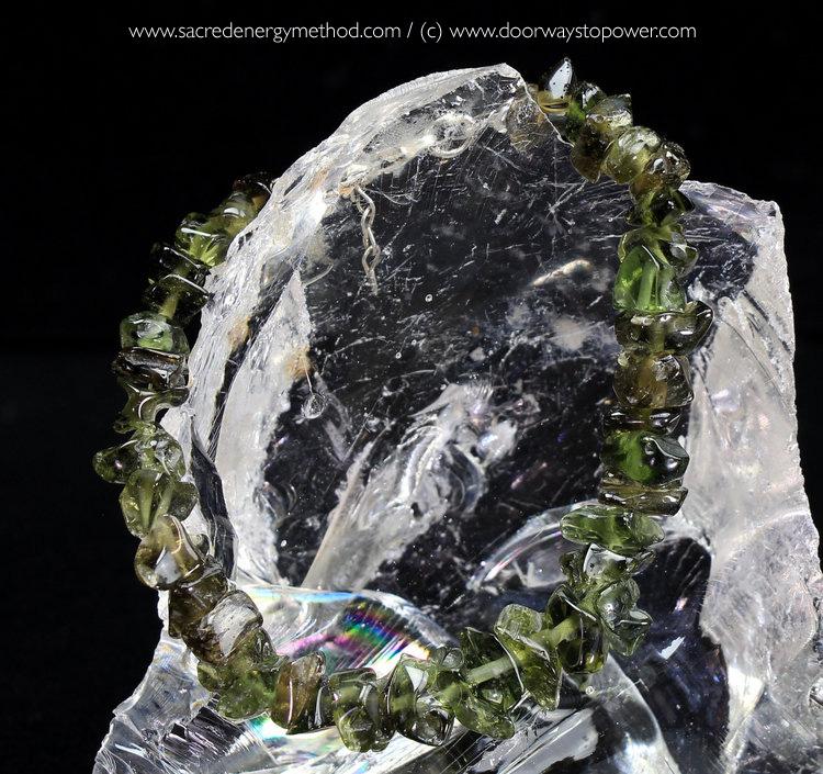 Moldavite2 (1).jpg